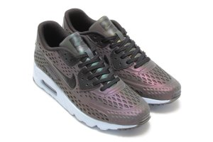 nike-air-max-ultra-moire-iridescent-pack-4-960x640